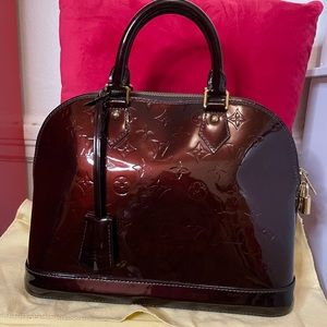 Louis Vuitton alma vernis pm